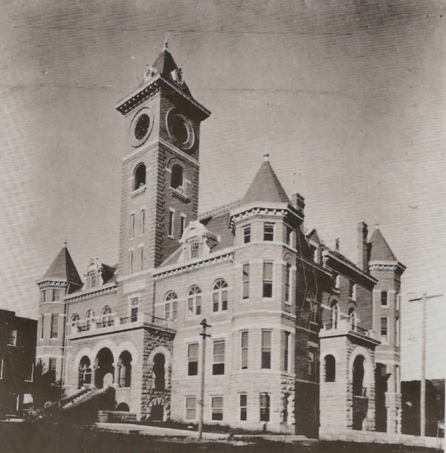 Historic Court House, circa 1910