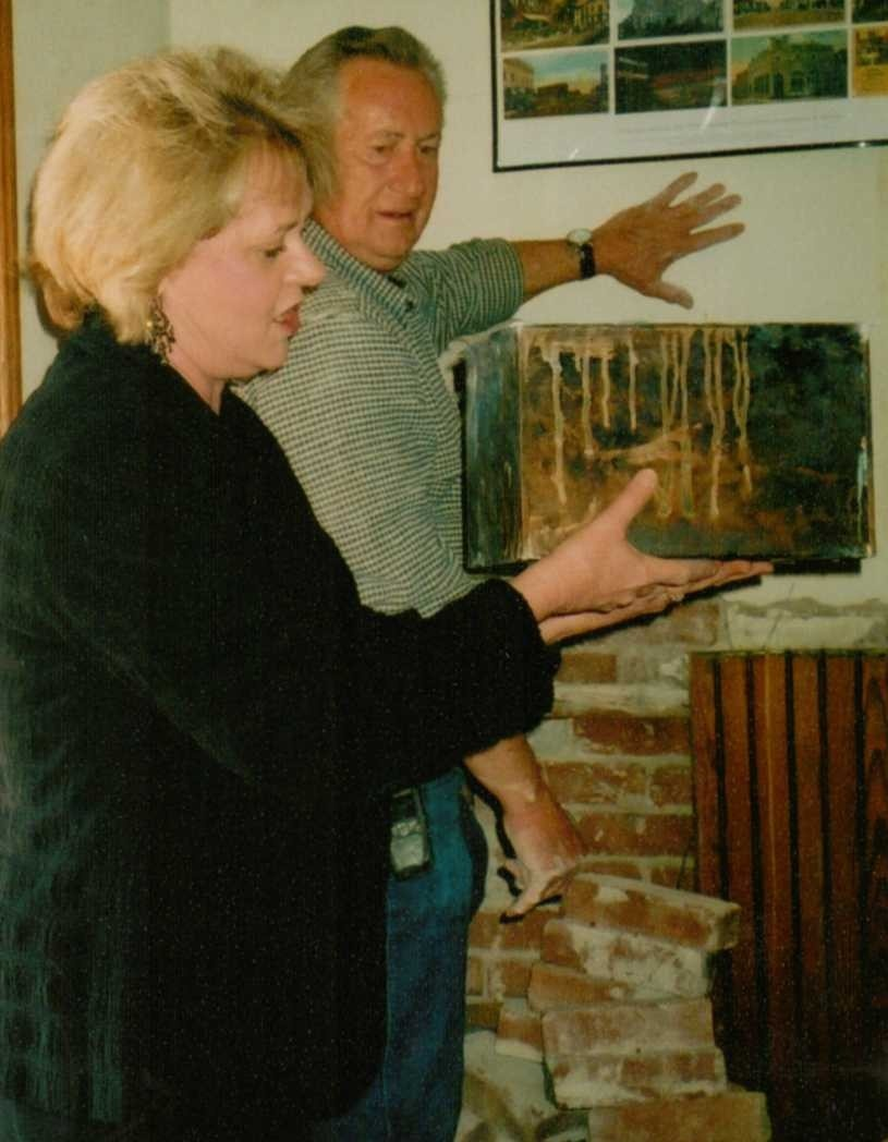 Lawrence Guist & Circuit Judge Mary Ann Gunn with 1904 time capsule
